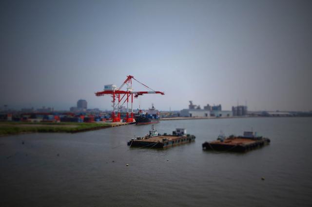 Kanazawa_seaport_tilt